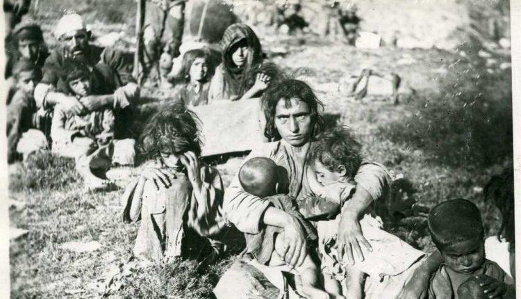 18-Agustos-1938-Koê-Sipe-mevkiinde-esir-alinan-bir-grup-Dersimli.-Tümü-ayni-gün-öldürüldüler
